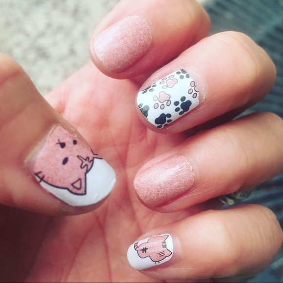fancy fashions Other - Animal 😻 love Nail wraps